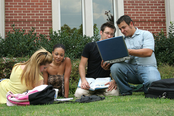 How to Form a Study Group in College