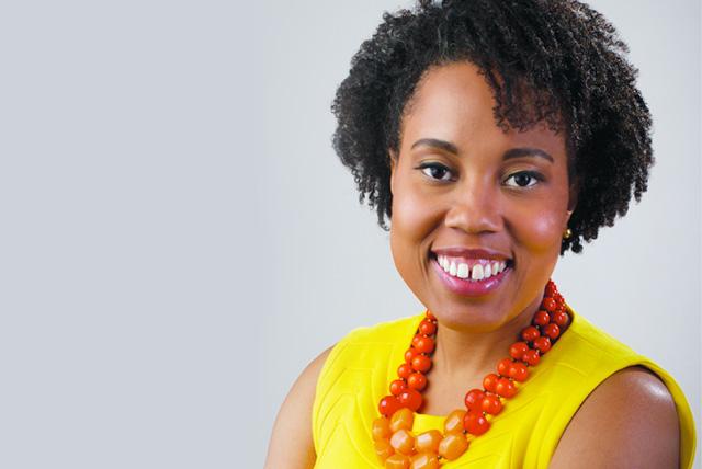 FAMU Alumna Mitzi Miller poses for professional portrait as EBONY magazine's new Editor-in-Chief.