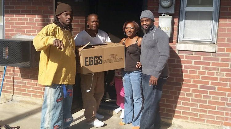 Football Provides Thanksgiving Dinners To Families