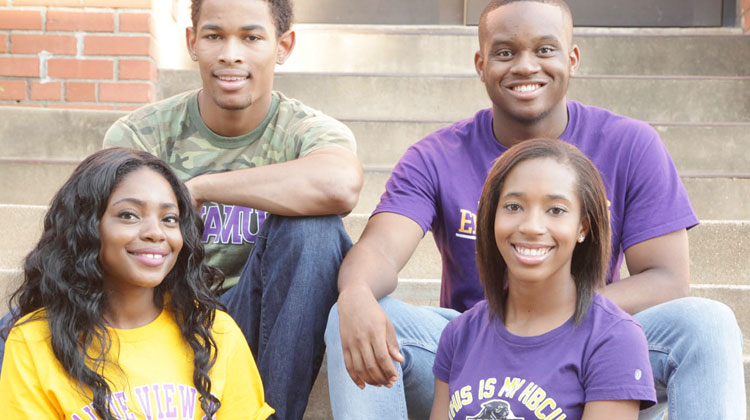 Prairie View A&M students join Sophomore Leadership Program for auto finance industry immersion